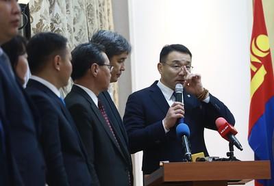 2020 оны аравдугаар сарын 23. Нийслэлийн Засаг дарга бөгөөд Улаанбаатар хотын Захирагчаар сонгогдсон Д.Сумъяабазар тамгаа гардан авлаа.  ГЭРЭЛ ЗУРГИЙГ Д.ЗАНДАНБАТ/MPA