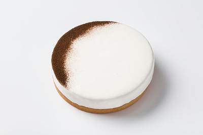Vanilla tart for the Pierre Herme menu at Morpheus Macau.