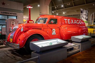 Texaco 1939 Dodge Airflow Tank Truck