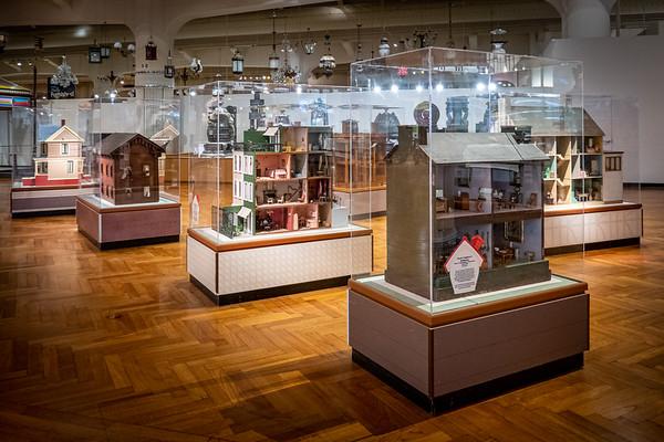 Doll House Display