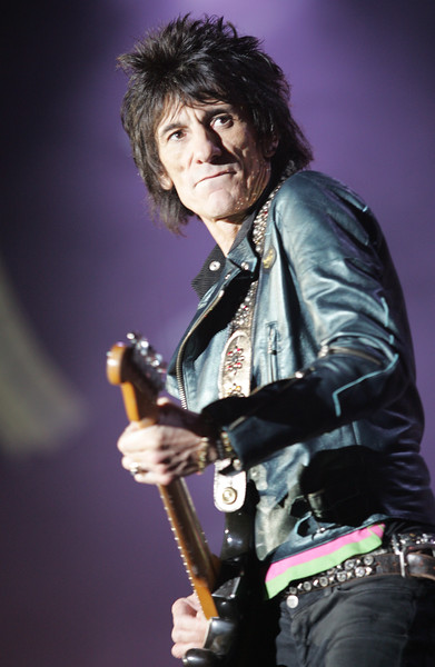 Ronnie Woods plays with the Rolling Stones in San Francisco in 2006.<br /> Photo by Doug Oakley