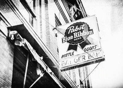 Badger Bar - Pabst Blue Ribbon Beer