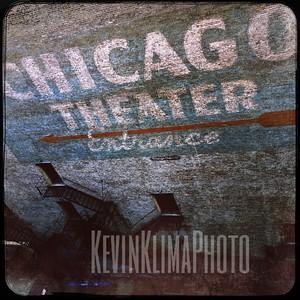 Chicago Theatre Entrance Arrow