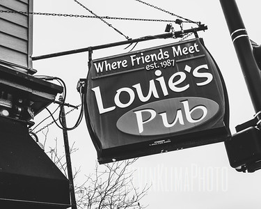 Louie's Pub - Where Friends Meet