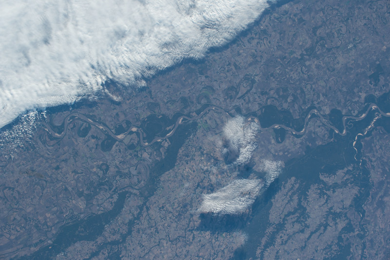 iss053e128271