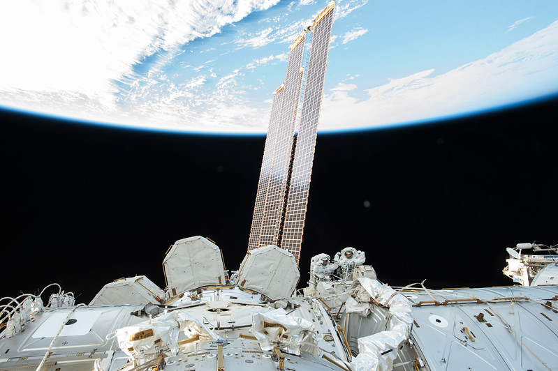 iss053e079495