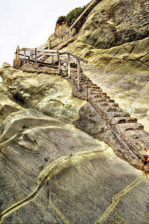 Pismo_Cliff_Stairs_20100819_06