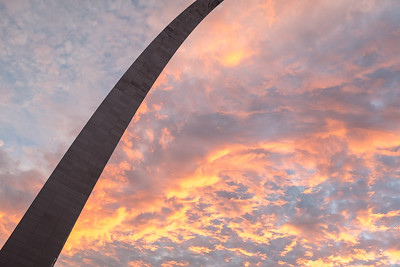 Sunset at the Gateway Arch