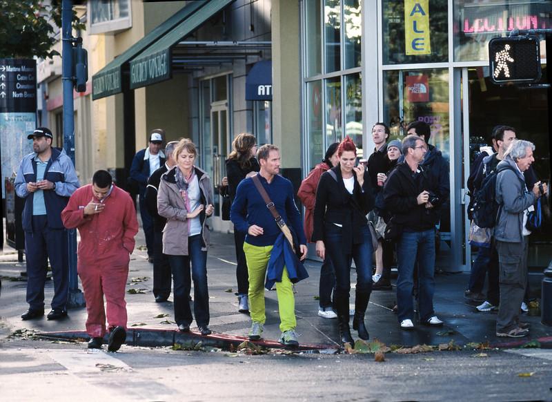 Crowd, II, Embarcadero, San Francisco, CA