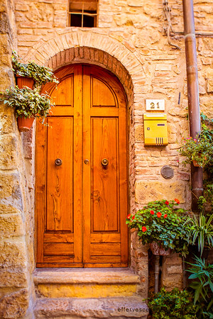 A door in tuscany