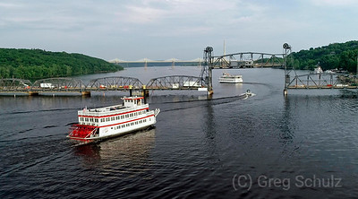 Stillwater Liftbridge Boats