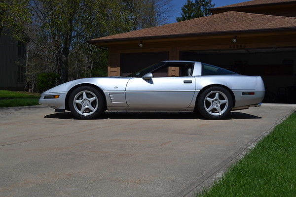 Ed and Rose Suit's '96 Vette