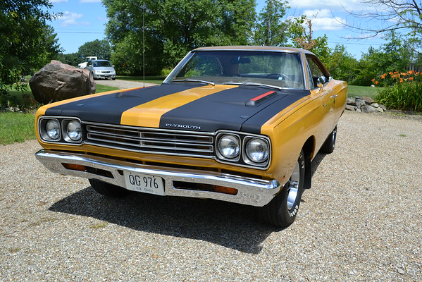 """Jim Mulroy's """"one-of-one"""" '69 Plymouth Road Runner"""