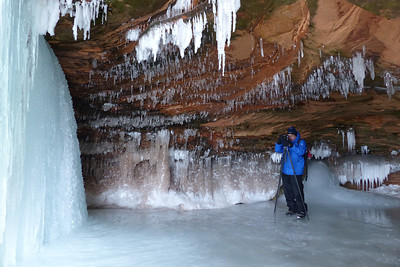 BEHIND THE SCENES 1010520  Apostle Islands Sea Caves - February, 2014 - Photo by Jessica Barr