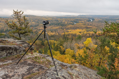 BEHIND THE SCENES 04114  Photographing the fall colors from the 270 Overlook on the Superior Hiking Trail - October 2016