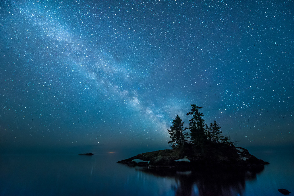 "MILKY WAY 4205<br /> <br /> ""Lake Superior Tombolo and the Milky Way""<br /> <br /> Near Hovland, MN"