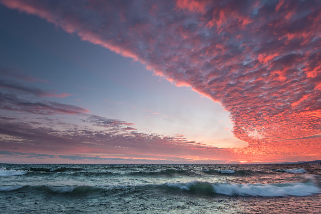"""SUPERIOR WINTER 6500<br /> <br /> """"Waves and Clouds - Simple Sunset Beauty"""""""