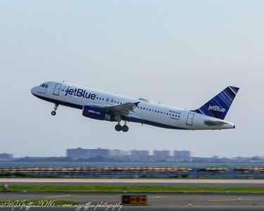 "Jetblue Airbus A320 ""Major Blue"" taking off from JFK Airport in New York."