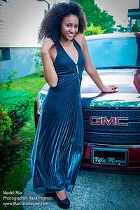 Model: Mia