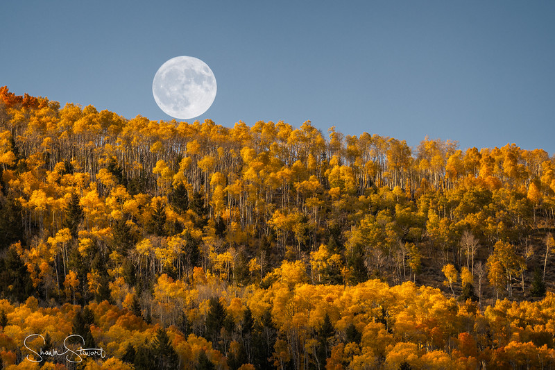 Harvest Moon over Fish Lake