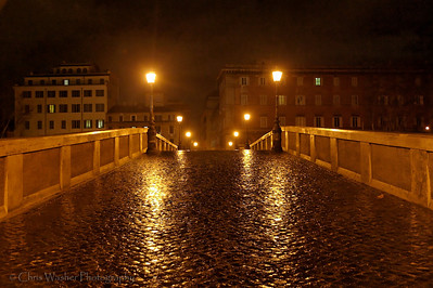 Night bridge over the Tiber.