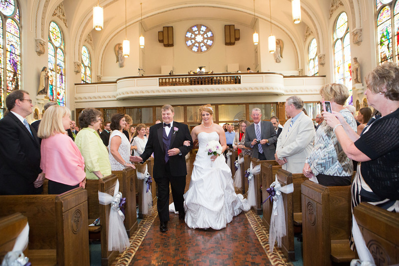 Wedding ceremony at St. Anthony's of Padua parish  in Rockford, IL. Wedding photographer – Ryan Davis Photography – Rockford, Illinois.