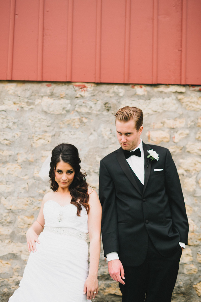 Bridal party, newlywed, and family portrait session at McEachran Homestead Winery and vineyard in Caledonia, IL near Rockford. Wedding photographer – Ryan Davis Photography – Rockford, Illinois.