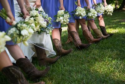 Carley & Tanner's wedding day at Christ Church United Methodist & Goshen Crest Farm in Louisville, KY 6.18.16.  www.loveandlenses.photography
