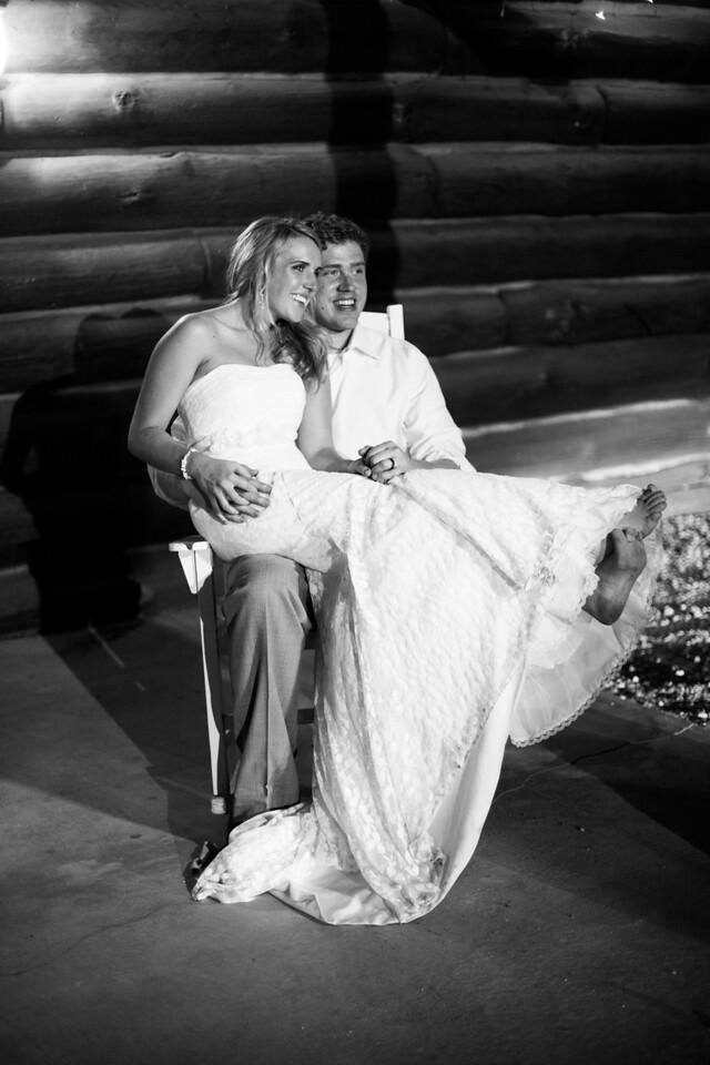 Wedding Reception at Williams Tree Farm in Rockton, IL. Wedding photographer – Ryan Davis Photography – Rockford, Illinois.