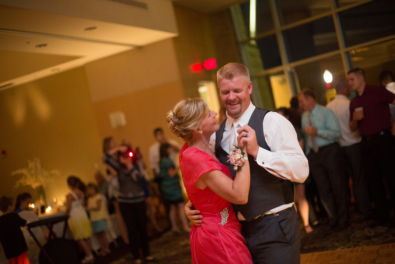 Wedding Reception at the Grand River Center on the Mississppi riverfront in historic Dubuque, Iowa.  Wedding photographer – Ryan Davis Photography – Rockford, Illinois.