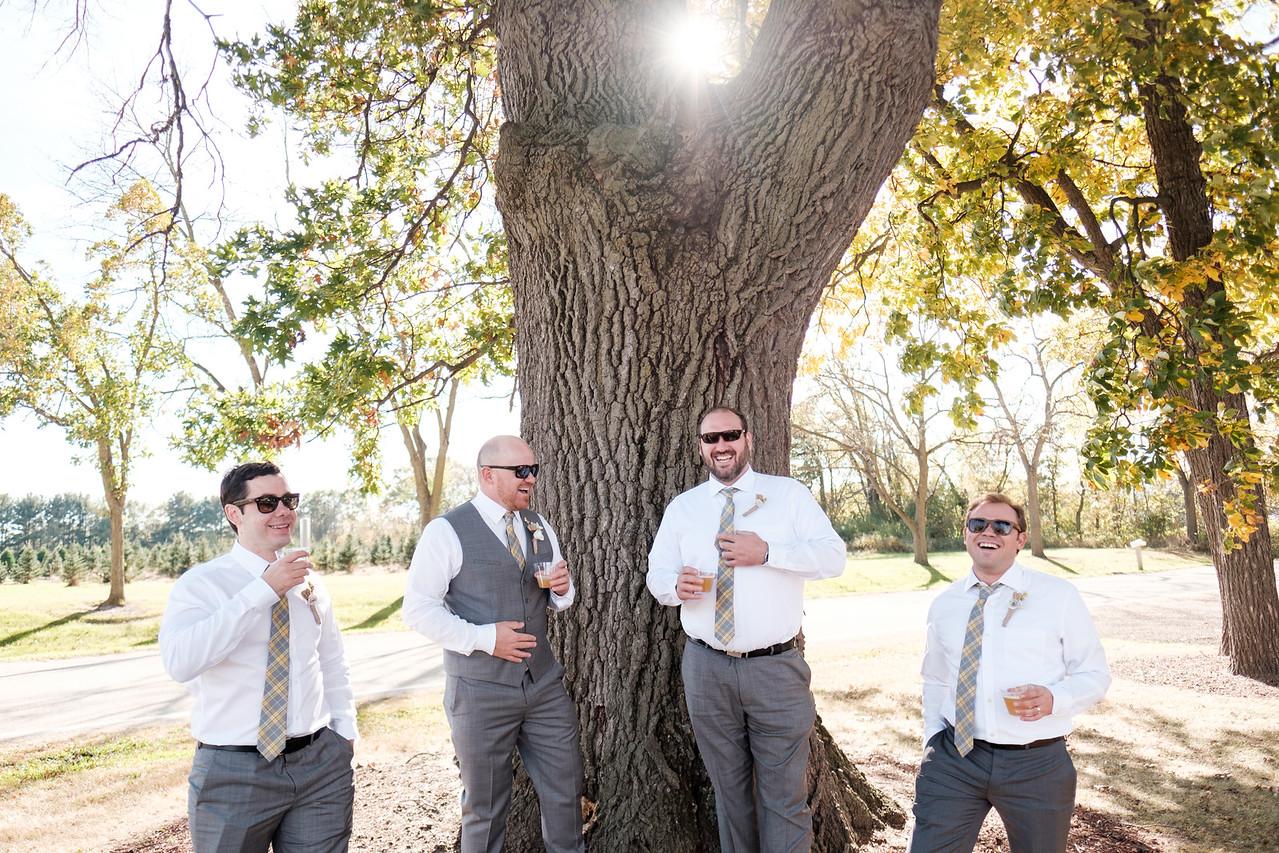 Greg and Lauren's wedding at Williams Tree Farm in Rockford, IL. Wedding photographer - Ryan Davis Photography, Rockford, Illinois