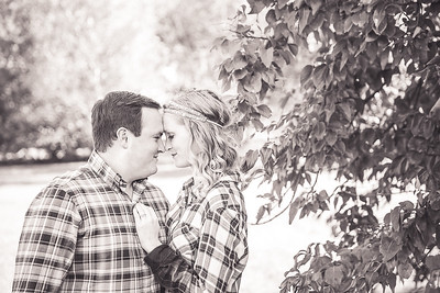 Lindsey & Andrew's engagement session at Gratz Park & the Arboretum in Lexington, KY 10.04.15.  © 2015 Love & Lenses Photography/ Becky Flanery   www.loveandlenses.photography