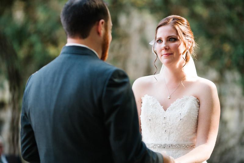 Lindsey & Nathan's outdoor autumn wedding at White Pines Wedding Canyon near Oregon, IL. Wedding photographer – Ryan Davis Photography – Rockford, Illinois.