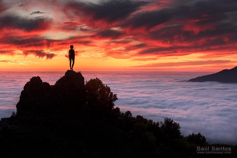 Atardecer sobre las cumbres de El Paso. Isla de La Palma. Islas Canarias