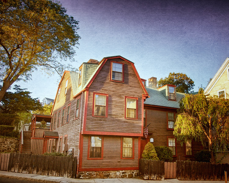 """On the Bowen House in Marblehead, Mass, H.P. Lovecraft wrote """"It was an odd scene, and because I was strange to New England I had never known its like before. Though it pleased me, I would have relished it better if there had been footprints in the snow, and people in the streets, and a few windows without drawn curtains"""", from The Festival. #marblehead #hplovecraft #marbleheadma   #hplovecrafthistoricalsociety"""