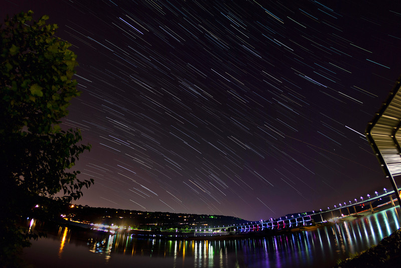 Star tails over Big Dam Bridge