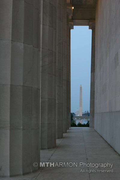 View of the Washington Monument and U.S. Capitol from the Lincoln Memorial (Washington, DC)