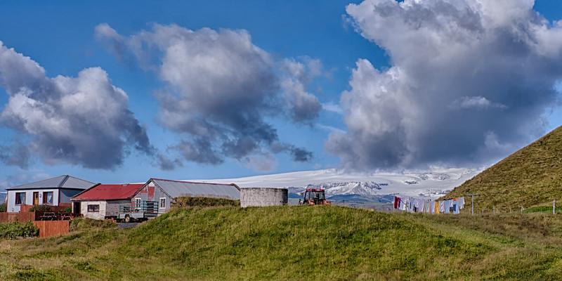 Myrdalsjokull Glacier Farmhouse