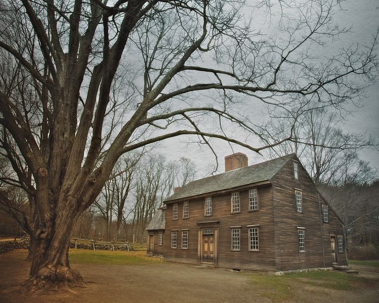 Battlefields of the American Revolution: Hartwell Tavern c. 1732-1733. Battle Road, Minute Man National Park, Lexington and Concord, Middlesex County, Massachusetts  Click to read the article on Colonial era taverns on the History Trekker