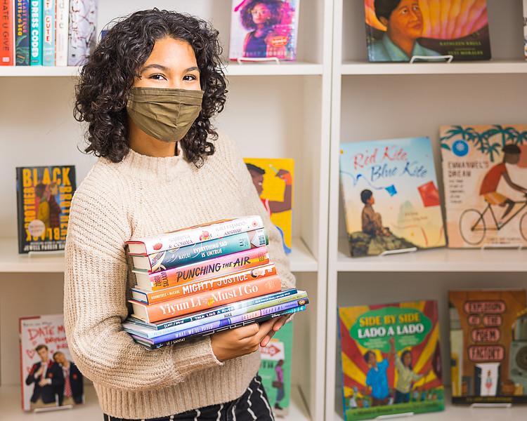 Dominique Lenaye, Itty Bitty Bookstore