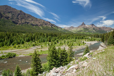 Index and Pilot Peaks and the Clarks Fork of the Yellowstone River.