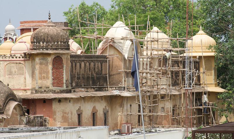 Men on a Scaffold, Jaipur