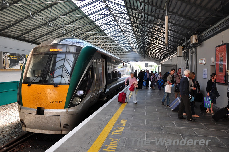 All change at Killarney. The 0900 Heuston  - Cork was delayed for 33 minutes at Thurles due to a Door Fault on vehicle 4120. This meant the 1130 Mallow - Tralee service was also delayed departing Mallow. To ensure the 1315 Tralee - Mallow service operated to time (from Killarney) the 1130 from Mallow was terminated at Killarney with a rail replacement bus service to Tralee. Sat 26.05.12