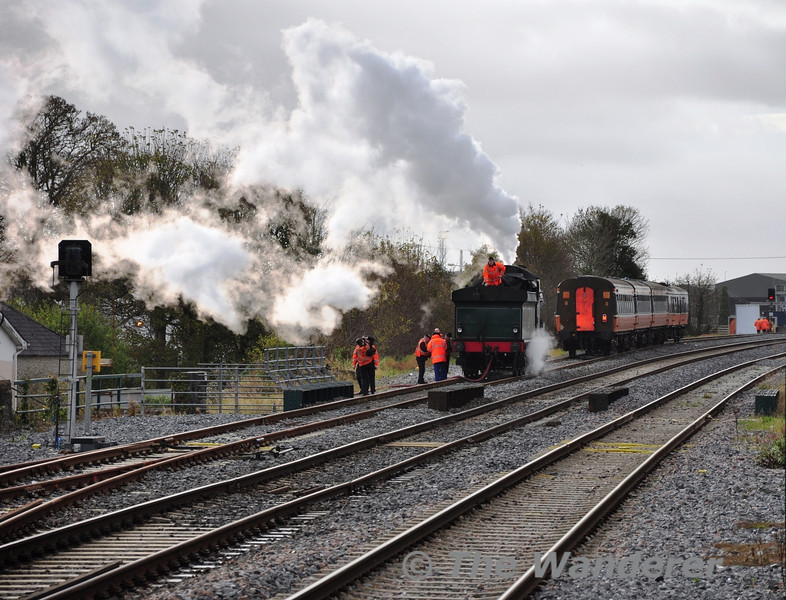 The RPSI Support Crew water No. 461 in the Down Loop at Portlaoise using a fire hydrant. Tues 06.11.12