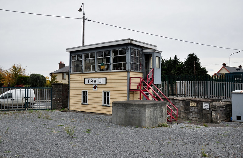 Tralee Signal Cabin now stands isolated from the station. Sun 07.10.12