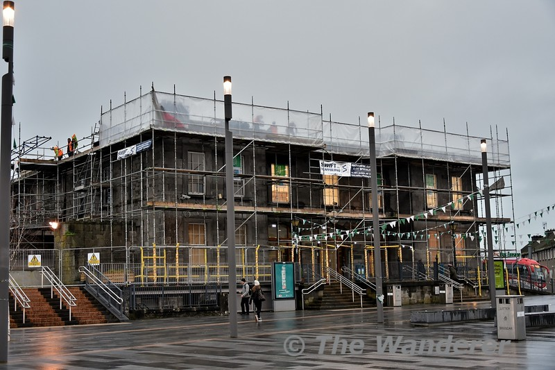 The station building at Limerick is undergoing refurbishment which also includes the installation of a new roof. Wed 09.01.19
