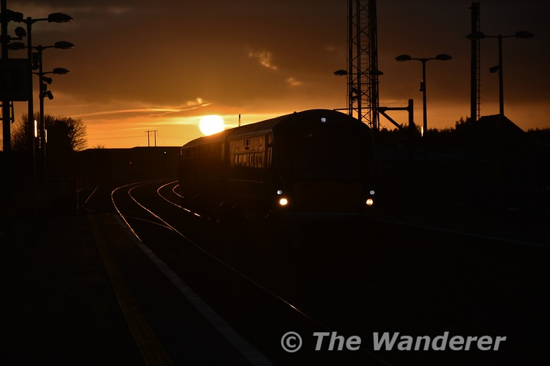 Against the backdrop of the setting sun, 22050 approaches Portlaoise Station to form the 1625 Portlaoise - Heuston Commuter service. Tues 08.01.19