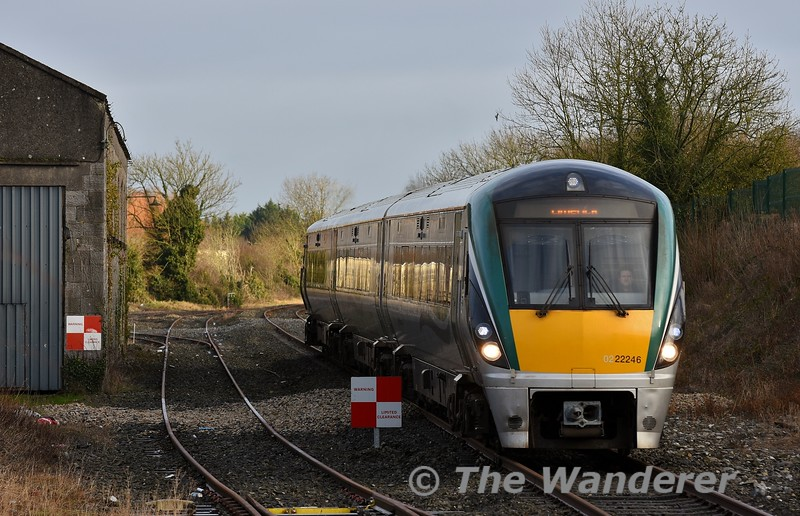 22046 approaches Nenagh with the 1005 Ballybrophy - Limerick service. Sat 04.01.20