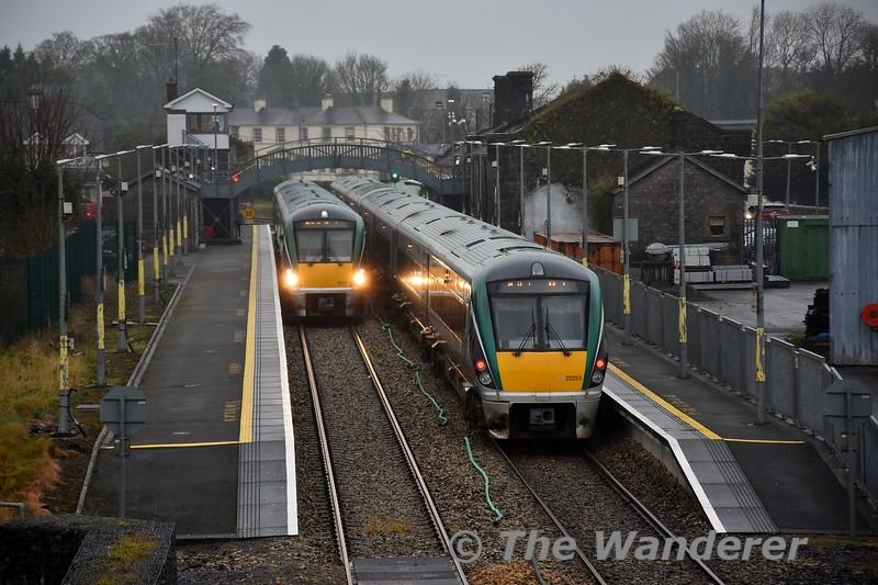 The 1245 Heuston - Westport (22023 + 22053) crosses the 1310 Westport - Heuston (22030) at Roscommon. Sat 04.01.20