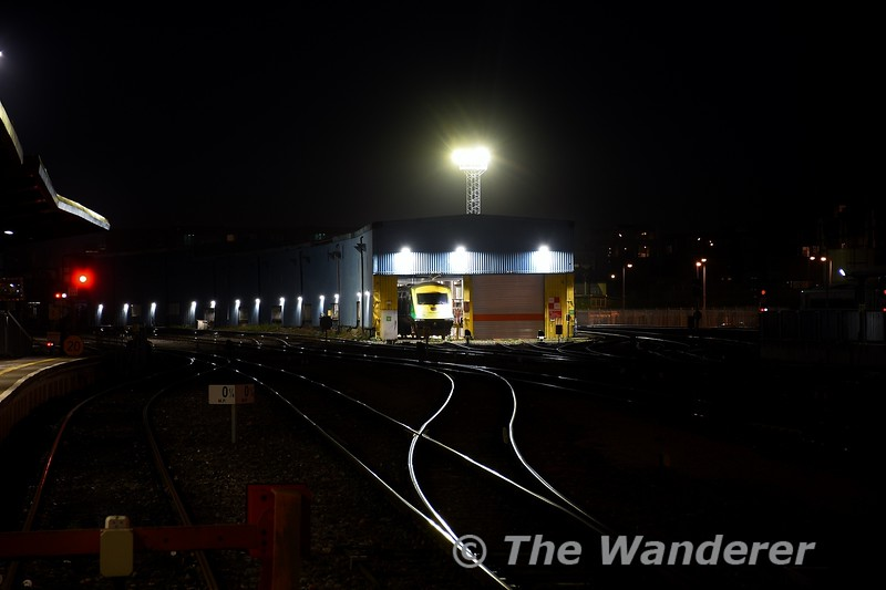 The floodlights in Heuston Yard light up the rails. Wed 08.01.20